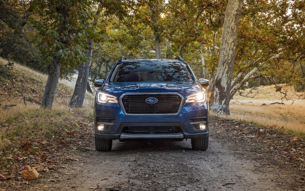 front view Subaru Ascent Premium 2019.jpg