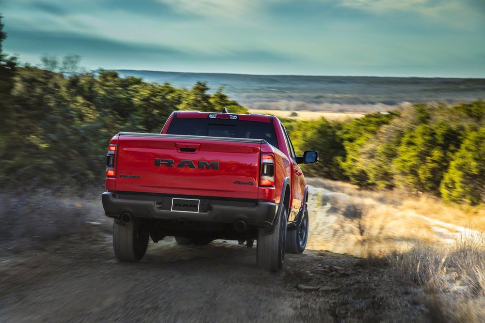 2019-Ram-1500-rear-view-in-motion-03.jpg